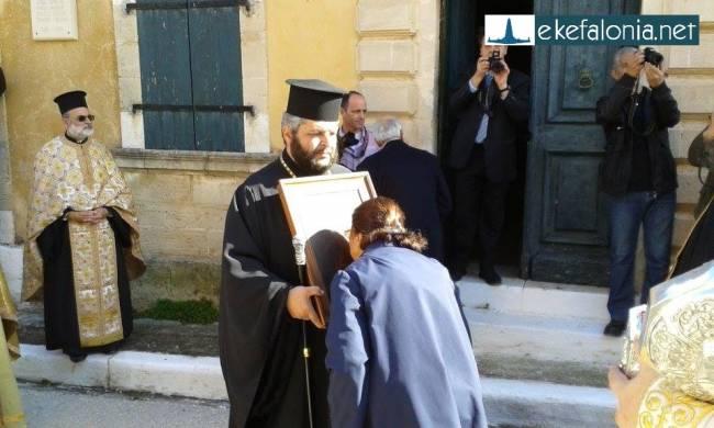 Προσευχές και δάκρυα, στον εορτασμό του Αγ. Χαράλαμπου στο Ληξούρι