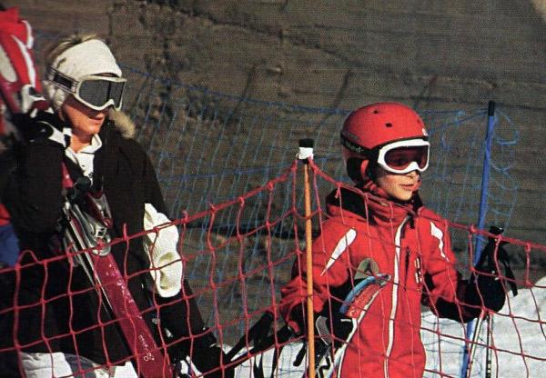 H Νατάσα Καραμανλή πήγε για σκι με τον γιο της