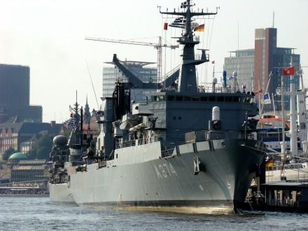Στην Κεφαλλονιά δύο πλοία του Πολεμικού Ναυτικού