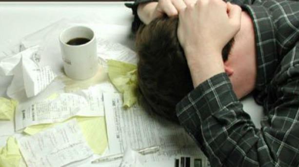 Σοκ σε μισθωτούς και συνταξιούχους με προκαταβολή φόρου 55%!