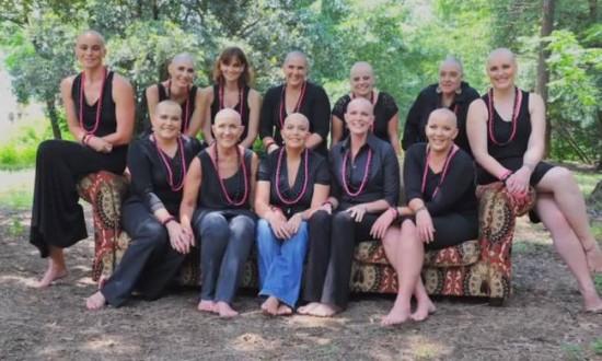 Η φίλη τους διαγνώστηκε με καρκίνο και ξύρισαν όλες το κεφάλι τους!