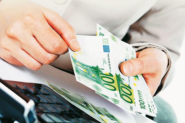 Έξι στους δέκα δεν θα αντέξουν τα φορολογικά βάρη φέτος