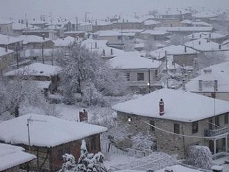 Χιονίζει στη Θράκη