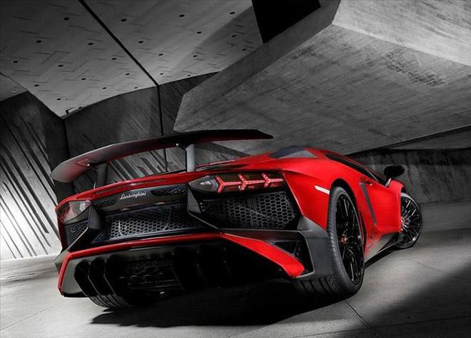 Lamborghini-Aventador_LP750-4_SV_2015_News-(6)