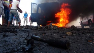 Clashes in Aden between Houthi fighters and President Hadi's tribal militiamen