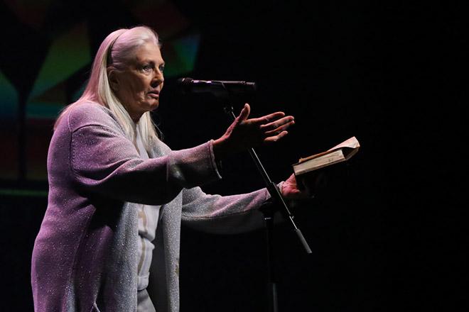 Η Βανέσα Ρεντγκρέιβ επί σκηνής