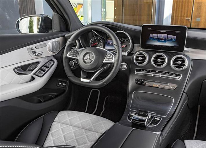 Mercedes-Benz-GLC_Coupe_2017_9