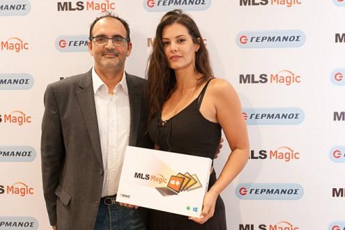 O Αλέξανδρος Ντάβος, Διευθυντής Retail Marketing Ομίλου ΟΤΕ, με την Μαρία Κορινθίου
