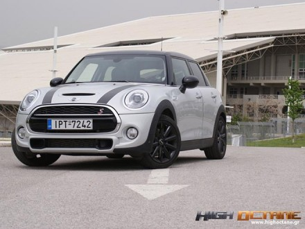 Mini_Cooper_SD_Driven-2016-(13)_Top