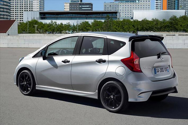 Nissan_Note_Black_Edition-(3)