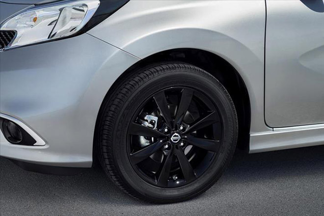Nissan_Note_Black_Edition-(4)