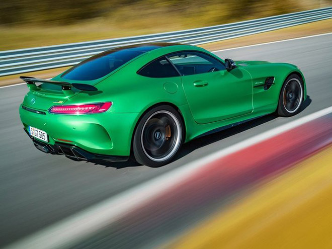 Mercedes-Benz-AMG_GT_R-2016_News-(9)