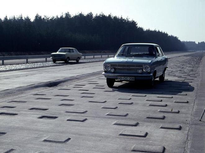 Opel-50-Years-Test-Center-Dudenhofen-(2)_Top
