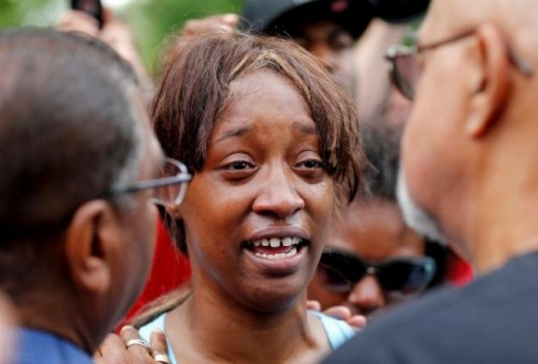 Diamond Reynolds weeps after she recounts the incidents that led to the fatal shooting of her boyfriend Philando Castile by Minneapolis area police in St Paul