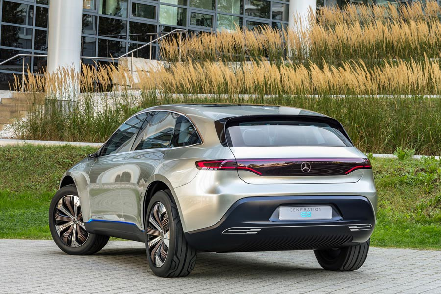 mercedes-benz_eq_electric-3