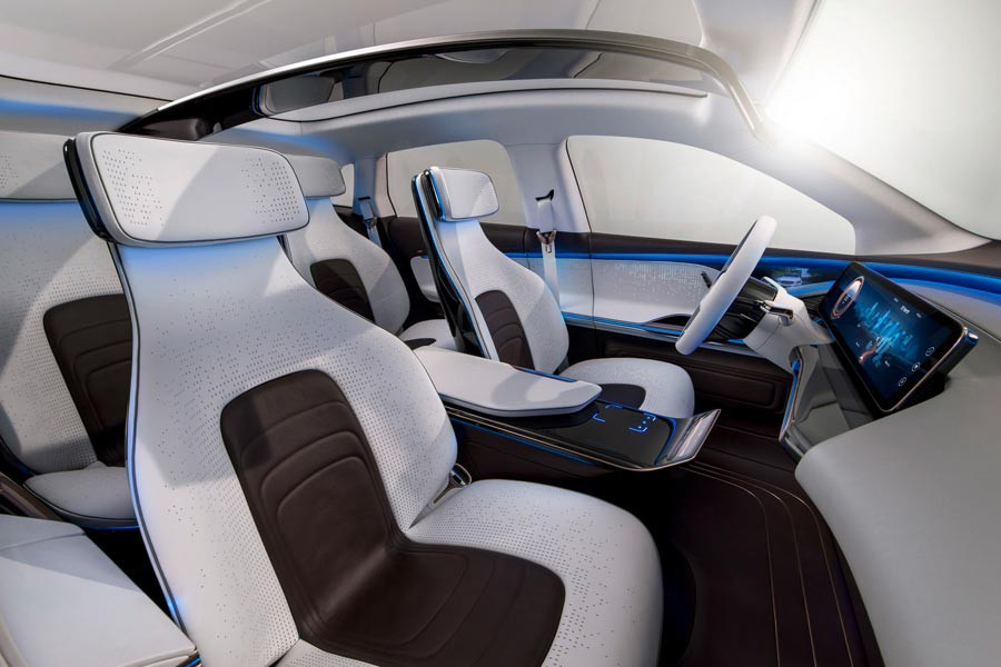 mercedes-benz_eq_electric-5