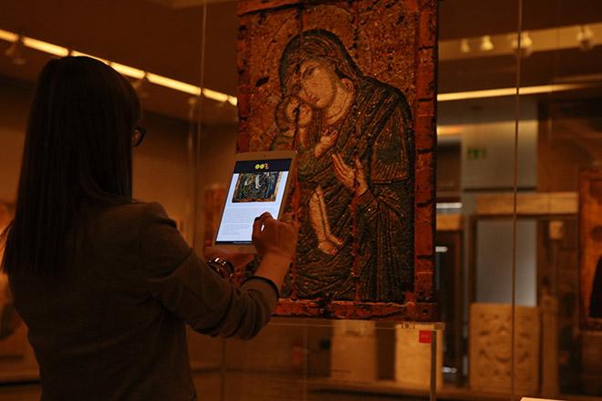 Στιγμιότυπο από τις ευρυζωνικές υπηρεσίες Wi-Fi στο Βυζαντινό & Χριστιανικό Μουσείο.