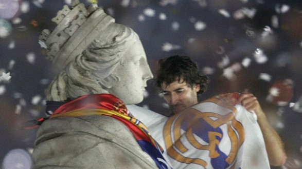 CELEBRATIONS AT CIBELES SQUARE