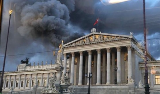 austria-parliament-roof-fire