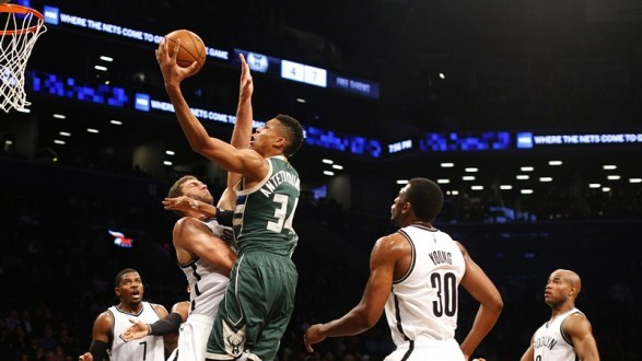 Milwaukee Bucks at Brooklyn Nets