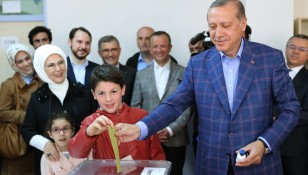Turkey to hold constitutional referendum