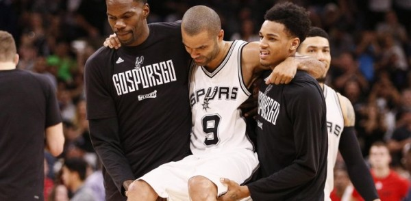 tony-parker-carried-off-court-game-2