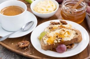breakfast_anoigma-575x384