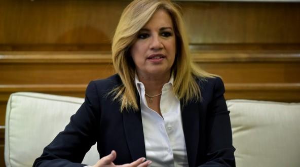 Γεννηματά:Ο Τσίπρας & οι υπουργοί του να κλείσουν το στόμα τους-Κάνουν κακό