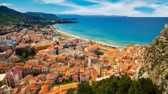 Αποτέλεσμα εικόνας για Πωλούνται σπίτια για ένα ευρώ στη Σικελία