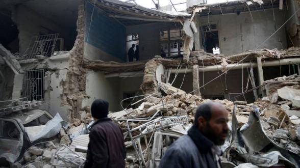 Αποτέλεσμα εικόνας για Τους 71 έφτασαν, μέσα σε 24 ώρες, οι νεκροί από τους βομβαρδισμούς του συριακού καθεστώτος στην Ανατολική Γούτα, σύμφωνα με το Συριακό Παρατηρητήριο Ανθρωπίνων Δικαιωμάτων, τη μη κυβερνητική οργάνωση που παρακολουθεί τις εξελίξεις στα μέτωπα της Συρίας από την έναρξη του πολέμου, το 2011.