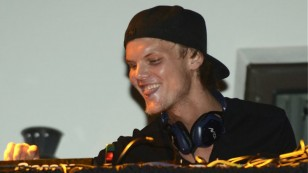 avicii-performs-at-house-for-hunger-at-ultra