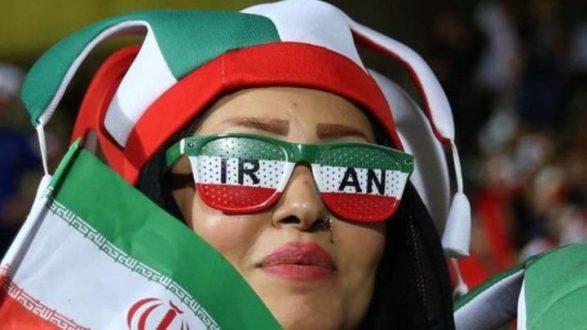 Ιστορική στιγμή για το Ιράν: Για πρώτη φορά οι γυναίκες σε ποδοσφαιρικό αγώνα!