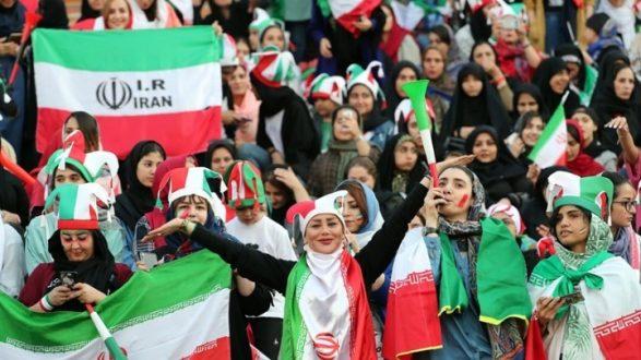 Ιράν: Οι γυναίκες μπήκαν στις εξέδρες