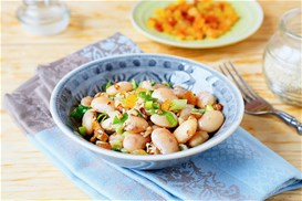 Φασόλια γίγαντες σαλάτα με λεμονάτη βινεγκρέτ και καρύδια