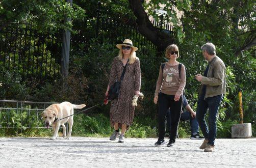 Καρύδη - Αθερίδης: Βόλτα στο κέντρο της πόλης με την κουμπάρα τους!