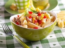 Μακαρονοσαλάτα με τόνο, πιπεριές, καλαμπόκι και βινεγκρέτ