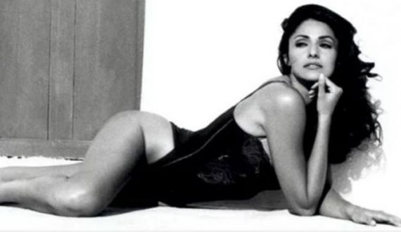 Βίκυ Κιουλιανού: H θρυλική Ελληνίδα top model των 90's ποζάρει με το μπικίνι!