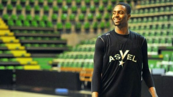 Υπογράφει για 2 χρόνια στον Ολυμπιακό ο Λιβιό Ζαν-Σαρλ