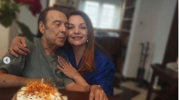 O Τόλης Βοσκόπουλος έγινε 80 ετών και το γιόρτασε με την Άντζελα Γκερέκου