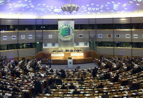 Λεβαντόφσκι: Υπάρχει σχιζοφρένεια στα κράτη μέλη