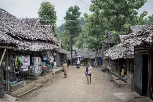 Φονική πυρκαγιά σε προσφυγικό καταυλισμό στην Ταϊλάνδη