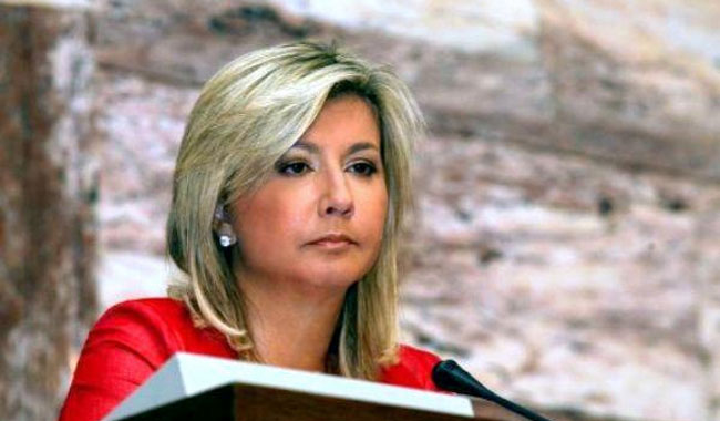 Βουλή: Ορκίστηκε Ζέττα Μακρή