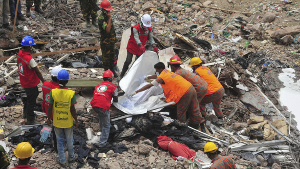 Ξεπέρασαν τους 600 οι νεκροί από την κατάρρευση του κτιρίου