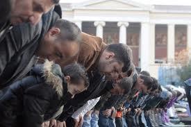 Προσευχή μουσουλμάνων σε ΣΕΦ και ΟΑΚΑ