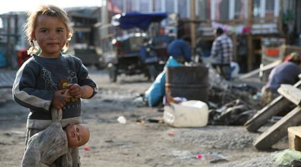 Ακροδεξιοί εισέβαλαν σε καταυλισμούς Ρομά
