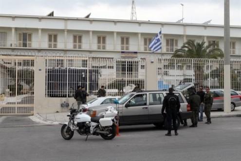 Κρατούμενος τραυμάτισε δύο σωφρονιστικούς υπαλλήλους στον Κορυδαλλό