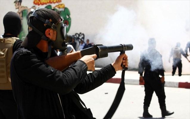 Αιματηρές συγκρούσεις στην Τυνησία