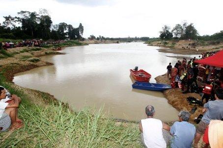 Οκτώ έφηβοι πνίγηκαν σε ποτάμι