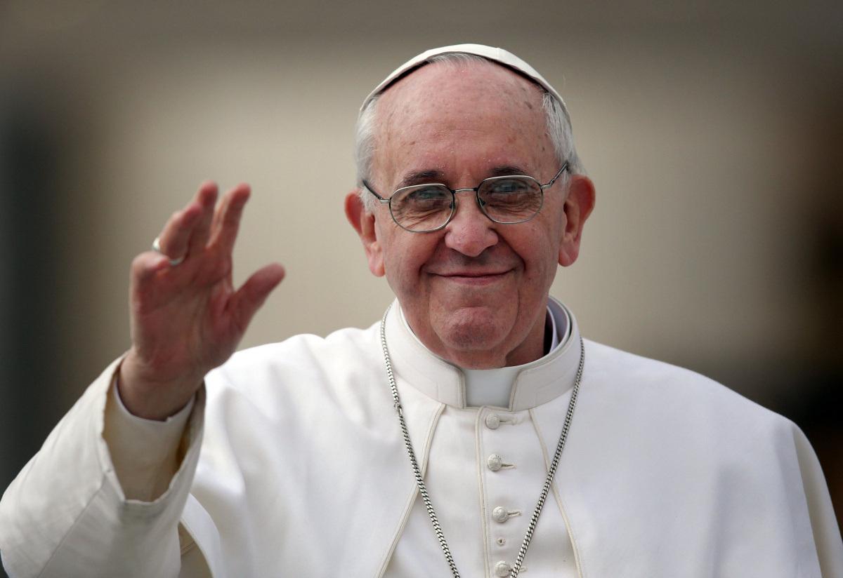 Προσπαθεί να καταλάβει τα σύμφωνα συμβίωσης ομοφύλων ο Πάπας