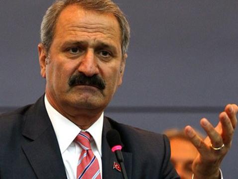 Άλλη μια ηχογραφημένη συνομιλία καίει πρώην υπουργό στην Τουρκία